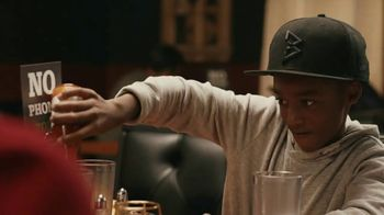 Common Sense Media TV Spot, 'Device-Free Dinner: Hot Sauce' Featuring Marshawn Lynch - Thumbnail 10