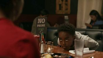 Common Sense Media TV Spot, 'Device-Free Dinner: Hot Sauce' Featuring Marshawn Lynch - Thumbnail 3