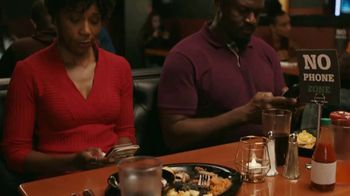 Common Sense Media TV Spot, 'Device-Free Dinner: Hot Sauce' Featuring Marshawn Lynch - Thumbnail 5