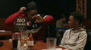 Common Sense Media TV Spot, 'Device-Free Dinner: Hot Sauce' Featuring Marshawn Lynch - Thumbnail 8