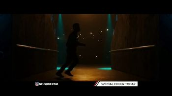 NFL Shop TV Spot, 'Holidays: Lighted Sweaters' - Thumbnail 3