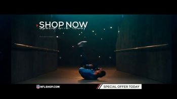 NFL Shop TV Spot, 'Holidays: Lighted Sweaters' - Thumbnail 5
