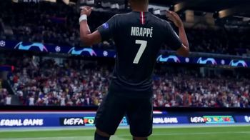 Madden NFL 19 and FIFA 19 Bundle TV Spot, 'Score More Football' - Thumbnail 8
