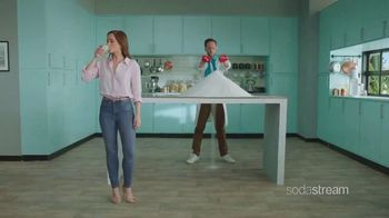 SodaStream TV Spot, 'How To Quit Sugary Soda With a Few Pfff & Psss: Great Gift' - Thumbnail 4