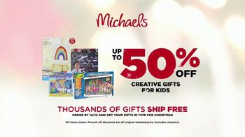 Michaels Mega Gift Event TV Spot, '2018 Holidays: 50 Percent Off Creative Gifts' - Thumbnail 9