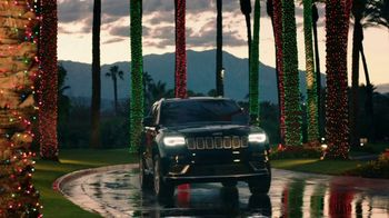 Jeep Black Friday Sales Event TV Spot, 'Colorful Christmas' Song by One Republic [T2] - Thumbnail 2