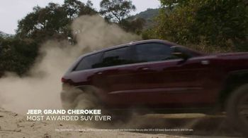 Jeep Black Friday Sales Event TV Spot, 'Colorful Christmas' Song by One Republic [T2] - Thumbnail 5
