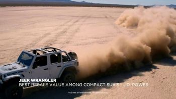 Jeep Black Friday Sales Event TV Spot, 'Colorful Christmas' Song by One Republic [T2] - Thumbnail 7