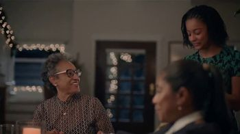 Google Home Hub TV Spot, 'Sharing Photos: $129' Song by Jacqueline Taieb - Thumbnail 4