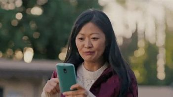 Google Home Hub TV Spot, 'Sharing Photos: $129' Song by Jacqueline Taieb - Thumbnail 5