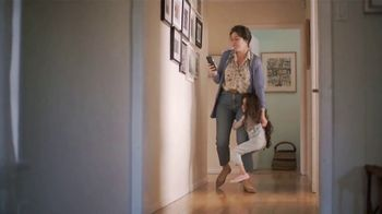 Google Home Hub TV Spot, 'Morning: $129' Song by Jacqueline Taieb - Thumbnail 5