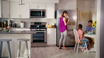 Lowe's Holiday Savings TV Spot, 'Maytag Washer and Dryer' - Thumbnail 6