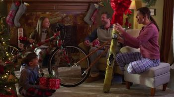 Scheels TV Spot, 'Holidays: Shake It Up This Christmas' - Thumbnail 4