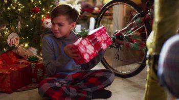 Scheels TV Spot, 'Holidays: Shake It Up This Christmas' - Thumbnail 6