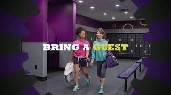 Planet Fitness PF Black Card TV Spot, 'All the Perks' - Thumbnail 4