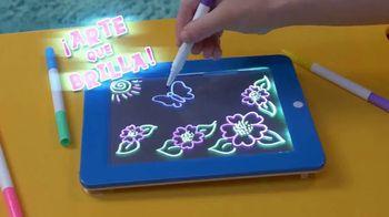 MagicPad TV Spot, 'Equipo de arte brillante' [Spanish] - Thumbnail 3