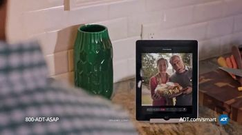 ADT TV Spot, 'Holiday Catering Service' - Thumbnail 3