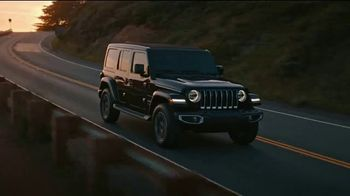Jeep Big Finish Event TV Spot, 'Warmed Up' [T2] - Thumbnail 1