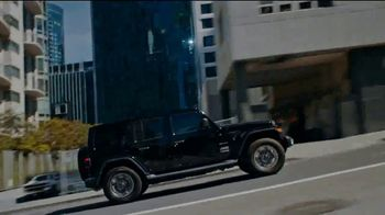 Jeep Big Finish Event TV Spot, 'Warmed Up' [T2] - Thumbnail 5