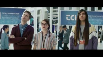 TurboTax Live TV Spot, 'Tech Showcase' [Spanish]