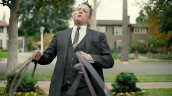 Allstate TV Spot, 'Mayhem: Overly Confident Dog Walker' Featuring Dean Winters - Thumbnail 4