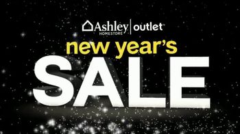 Ashley HomeStore Outlet New Year's Sale TV Spot, 'White Glove Delivery' - Thumbnail 3