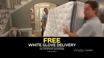 Ashley HomeStore Outlet New Year's Sale TV Spot, 'White Glove Delivery' - Thumbnail 5