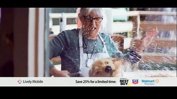 GreatCall Lively Mobile TV Spot, 'Mom Volunteers: 25 Percent Off' - Thumbnail 9