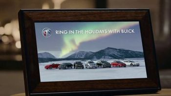 2019 Buick Enclave TV Spot, 'Holiday Shopping Tips: Tailgate' Song by Matt and Kim [T2] - Thumbnail 7