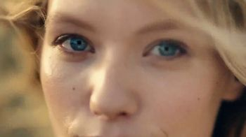 Burt's Bees Sensitive Skin Care TV Spot, 'Radiance' - Thumbnail 2