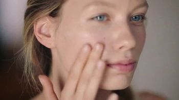 Burt's Bees Sensitive Skin Care TV Spot, 'Radiance' - Thumbnail 5