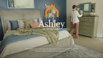 Ashley HomeStore New Year's Sale TV Spot, 'Porter Table and Borlend Bed' - Thumbnail 8