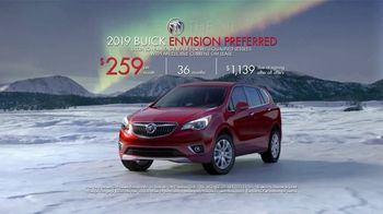 2019 Buick Envision TV Spot, 'Holiday Shopping Tips: Picture Yourself in a New Buick' Song by Matt and Kim [T2] - Thumbnail 8