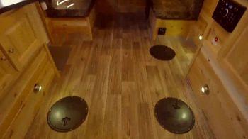 Ice Castle Fish Houses TV Spot, 'Family Bonding' - Thumbnail 6