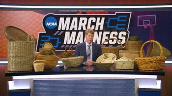 AT&T Wireless TV Spot, 'NCAA March Madness: Baskets' - Thumbnail 3