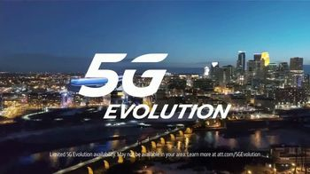 AT&T Wireless 5G Evolution TV Spot, 'OK March Madness: Color' - Thumbnail 9