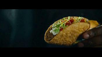 Taco Bell $5 Chalupa Cravings Box TV Spot, 'Box of Wonders' - Thumbnail 5