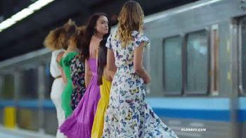 Old Navy TV Spot, 'Hi, Fashion: Spring Styles' - Thumbnail 2