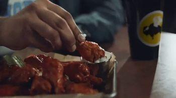 Buffalo Wild Wings TV Spot, 'March Madness: Birthday' - Thumbnail 7