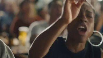 Buffalo Wild Wings TV Spot, 'March Madness: Birthday' - Thumbnail 8