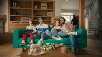 XFINITY Wi-Fi TV Spot, 'Moving Day' - Thumbnail 6