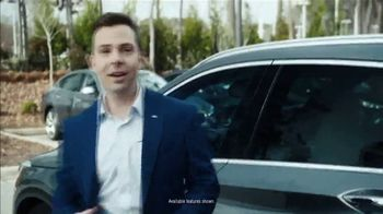 Infiniti QX50 TV Spot, 'A Friend: NCAA Coaches' Featuring Roy Williams [T1] - Thumbnail 2