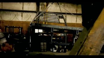 C5 MFG Chisholm Trail Bale Bed TV Spot, 'Bale & Dump Bed in One' - Thumbnail 2