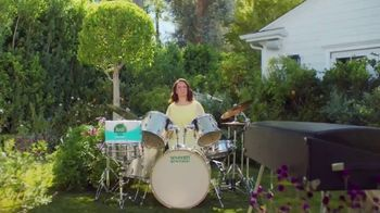 Seventh Generation Recycled Bath Tissue TV Spot, 'Trees and B's' Featuring Maya Rudolph - Thumbnail 3