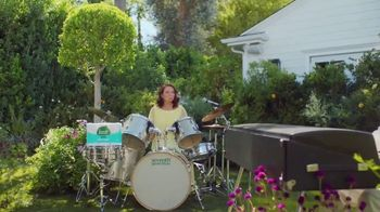 Seventh Generation Recycled Bath Tissue TV Spot, 'Trees and B's' Featuring Maya Rudolph - Thumbnail 5