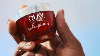 Olay Regenerist Whip SPF 25 TV Spot, 'Mama Cax and her SPF' - Thumbnail 5