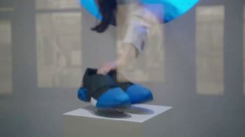 AT&T Business TV Spot, 'Edge-to-Edge Intelligence: Athletic Shoes' - Thumbnail 5