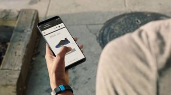 AT&T Business TV Spot, 'Edge-to-Edge Intelligence: Athletic Shoes' - Thumbnail 7