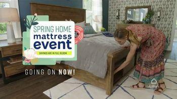 Ashley HomeStore Spring Home Mattress Event TV Spot, 'Sleep Interest Free' Song by Midnight Riot - Thumbnail 3