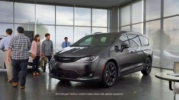 2019 Chrysler Pacifica TV Spot, 'Are We a Van Family?: Talking Van' [T2] - Thumbnail 1